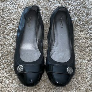 """COACH """"CHELSEY""""  LEATHER & PATENT LEATHER FLATS"""